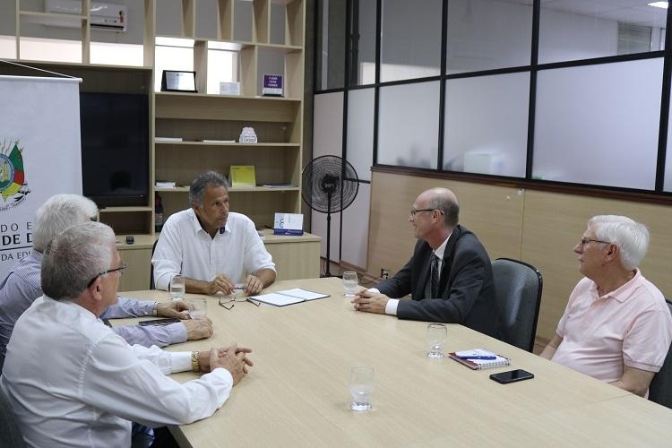 Diretoria do SINEPE/RS tem audiência com novo secretário de Educação do RS