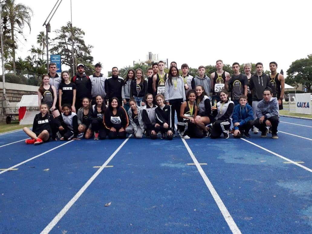 Atletismo da IENH é campeão estadual