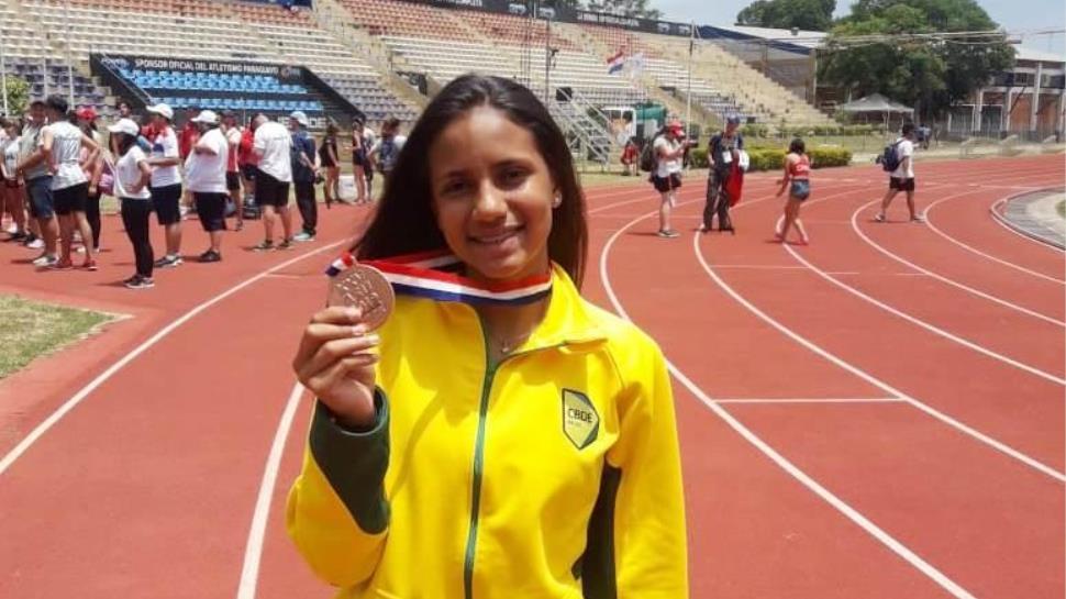 Atleta da IENH conquista medalha no Sul-Americano de Atletismo
